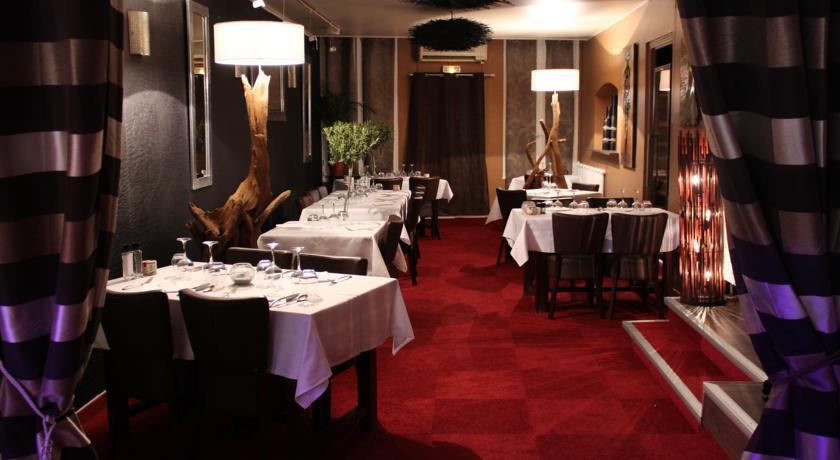 Soirée Restaurant De Fin D'année.